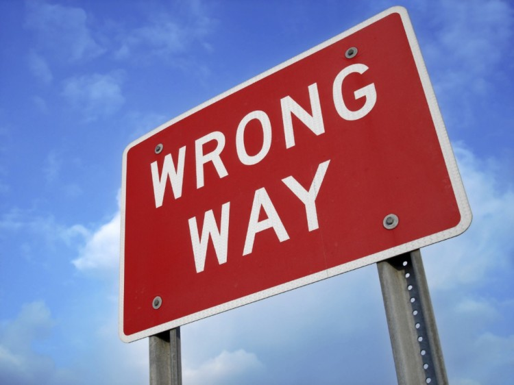 wrong-way-sign-1024x768